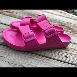 💕NWOT Hot Pink Size 8/9 beach slides💕